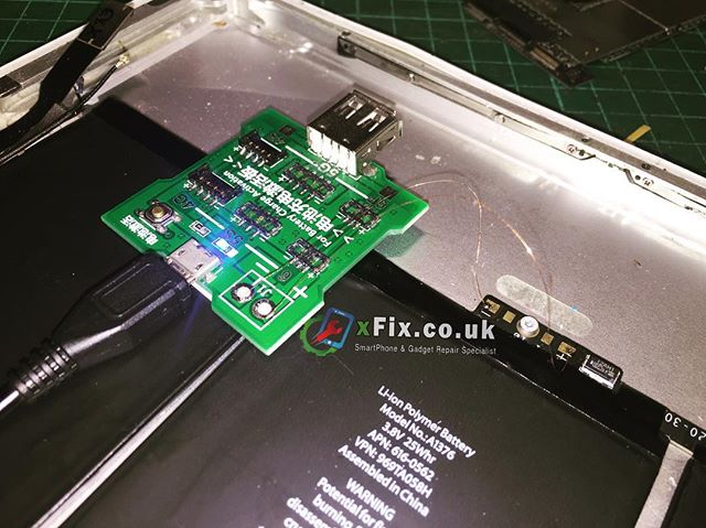 Boosting up the dead battery for iPad 2. UK